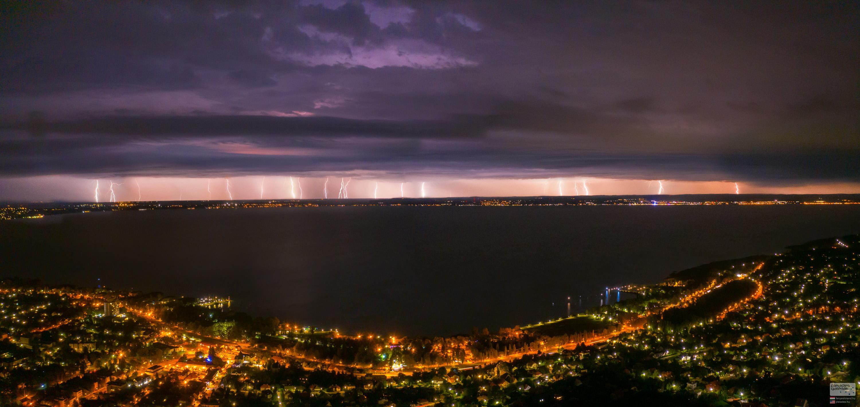 Éjjeli vihar – Balaton villámfüggöny