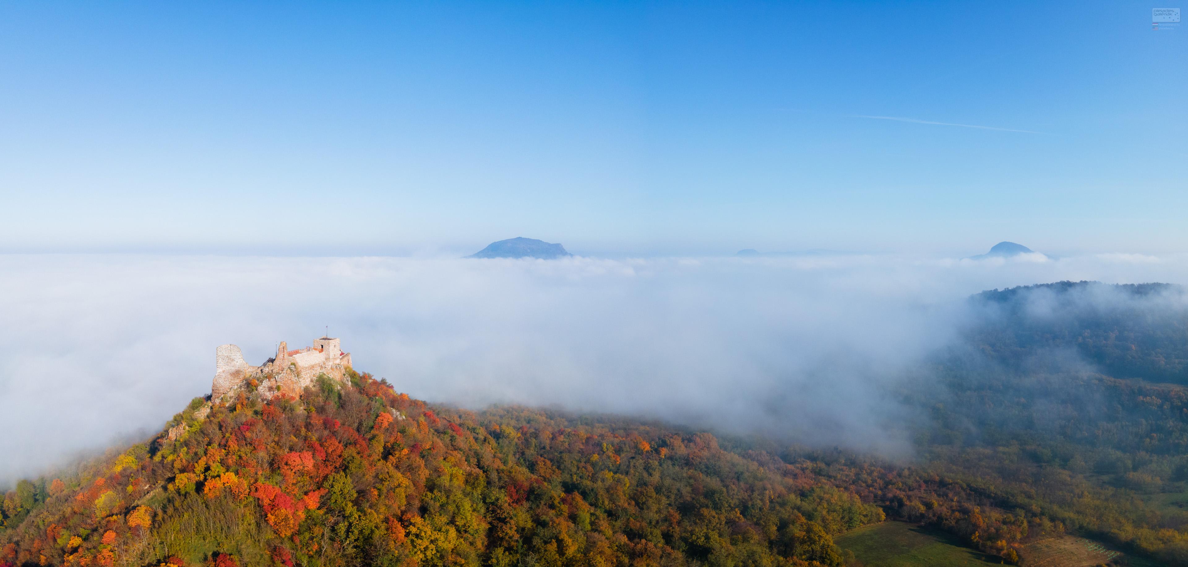 Szigligeti vár – őszruha, felhőköpeny